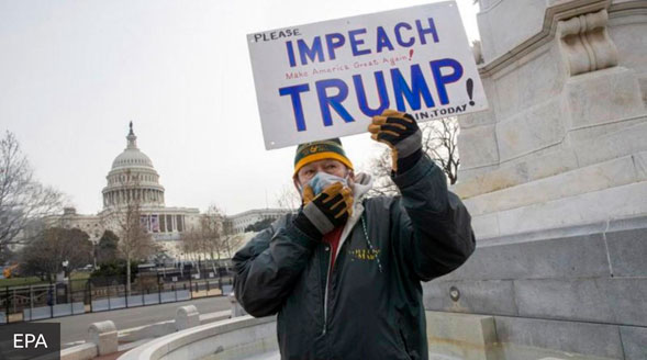 politico contra Trump